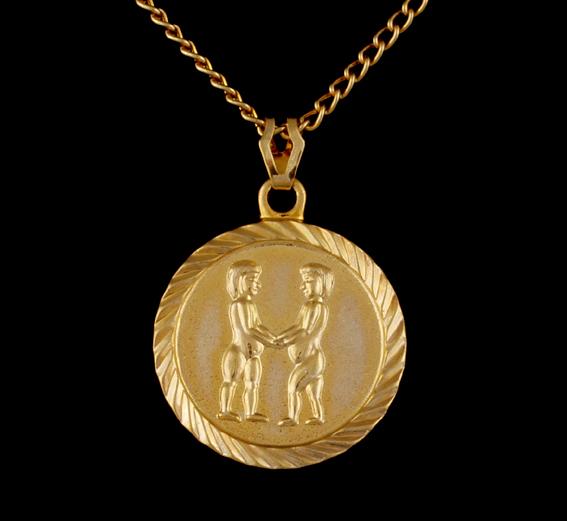 sternzeichen kette gold plated zwillinge astrologie horoskop esoterik neu ebay. Black Bedroom Furniture Sets. Home Design Ideas
